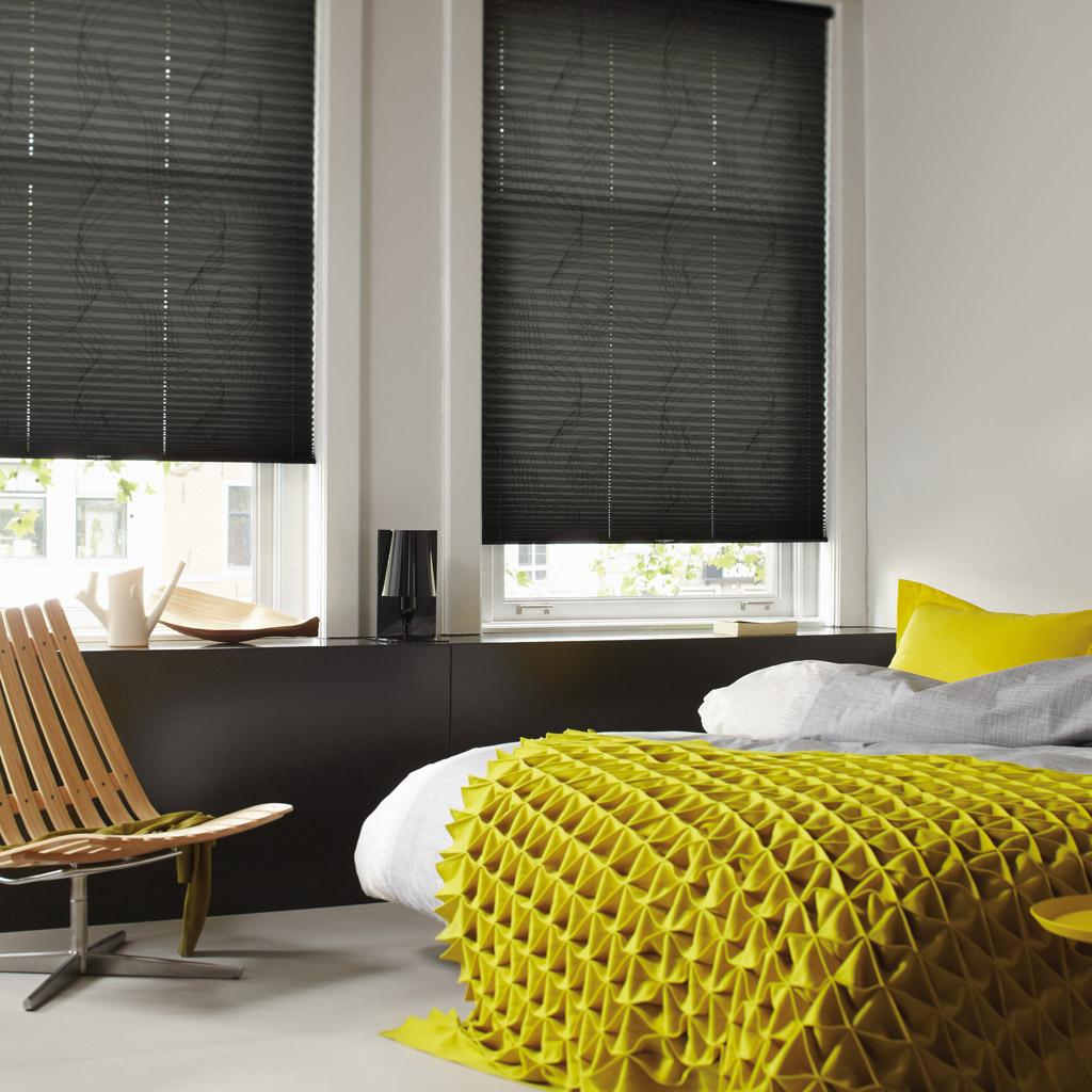 pliss en duette shades op maat verkrijgbaar bij bouwhof. Black Bedroom Furniture Sets. Home Design Ideas